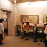 市内小学生が「まちたんけん」で青楓美術館を訪れました。